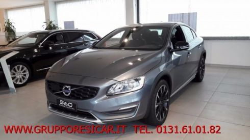 VOLVO S60 Cross Country D4 AWD Geartronic Summum