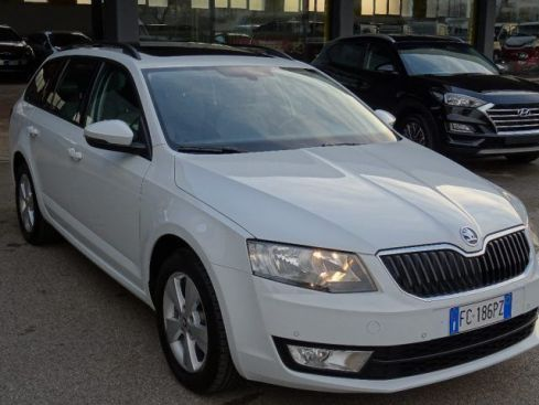 SKODA Octavia 1.6 TDI CR 110 CV DSG Wagon Executive Plus