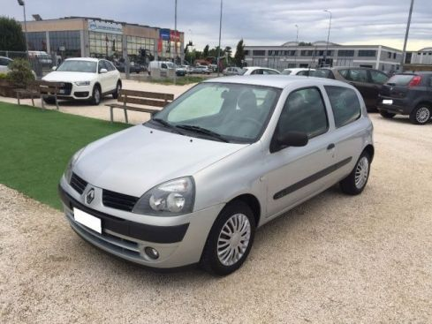 RENAULT Clio 1.2 Confort Authentique ANCHE PER NEOPATENTATI