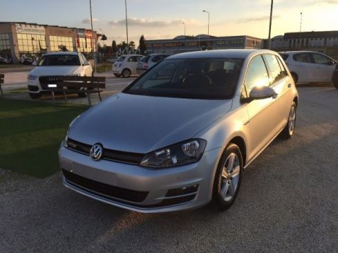 VOLKSWAGEN Golf 1.4 TGI 5p. Highline BlueMotion NUOVA