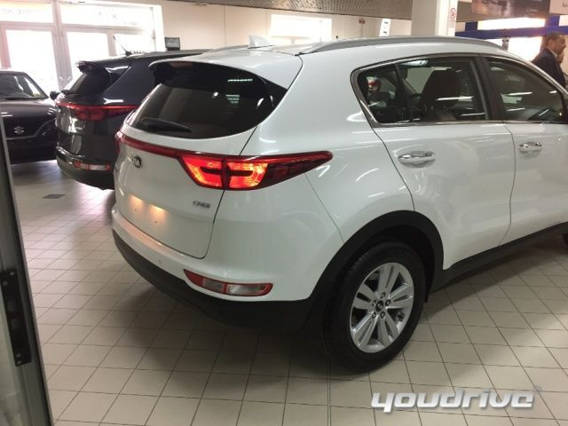 kia sportage 2016 1 7 crdi 2wd active n1 autocarro car km0 2017 autosupermarket. Black Bedroom Furniture Sets. Home Design Ideas