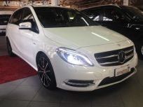 MERCEDES-BENZ B 200 CDI BLUEEFFICIENCY PREMIUM * AUTOM + NAV Usata 2012