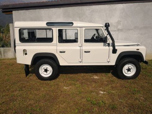 LAND ROVER Defender 110 2.5 Td5 cat S.W. VENDE PRIVATO