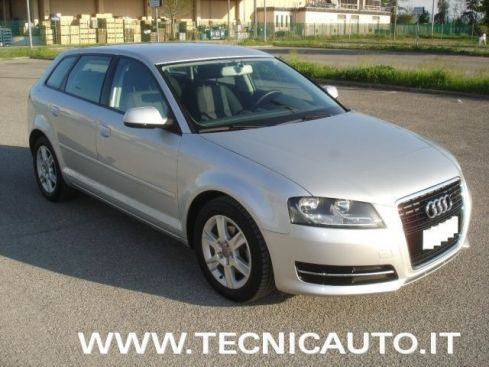 AUDI A3 SPB 1.6 TDI 105 CV CR  ATTRACTION CAM. AUTOMATICO