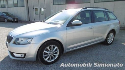 SKODA Octavia 1.6 TDI CR 105 CV DSG Wagon Executive