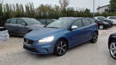 VOLVO V40 D2 Geartronic R-design Momentum Navi Restyling