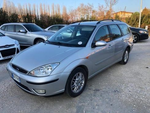 FORD Focus 1.6i 16V cat SW Ghia Uniproprietario
