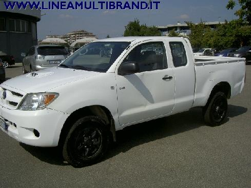 TOYOTA Hilux 2.5 diesel Pick-up