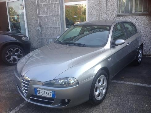 ALFA ROMEO 147 1.6  5 porte Distinctive GPL