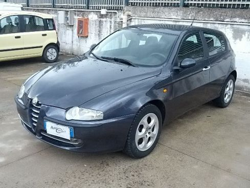 ALFA ROMEO 147 1.6 16v 120cv GPL 5p. Distinctive
