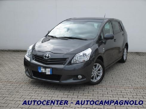 TOYOTA Avensis verso 2.0 D Active 7 posti