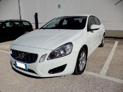VOLVO S60 D3 BUSINESS AUT