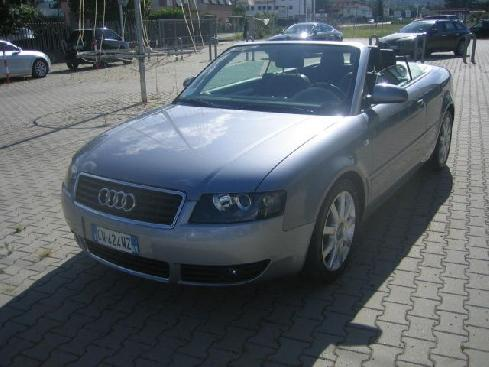 AUDI A4 Cabriolet C/AUTOM. SLINE CD CHARGE