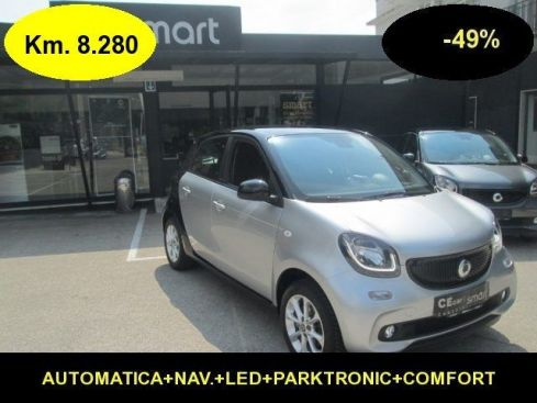 SMART ForFour 1.0-49% dal NUOVO Passion Aut.+NAV.KM.8.280-39JF06