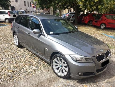 BMW 320 d cat xDrive Touring Attiva Navi 25mila