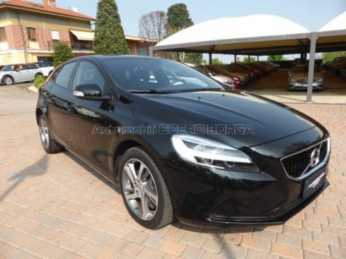VOLVO V40 D2  Momentum  Geartronic my 2017