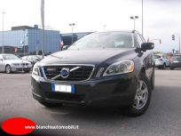 VOLVO XC60 D3 AWD GEARTRONIC MOMENTUM Usata 2011