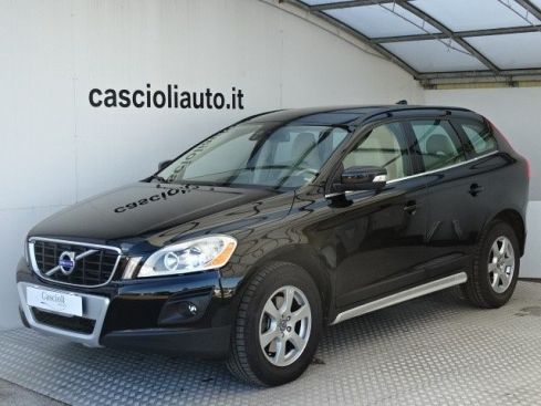 VOLVO XC60 D5 AWD Geartronic Momentum