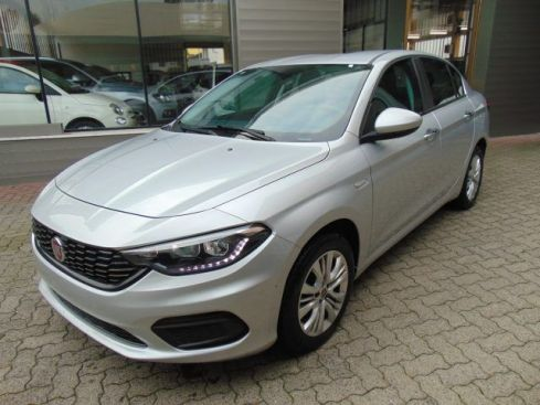 FIAT Tipo 1.3 Mjt 4 porte Easy + Apple Car Play e Clima Auto