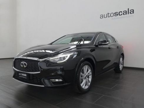 INFINITI Q30 1.5 diesel 110CV Business FWD #Navy