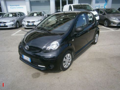 TOYOTA Aygo 1.0 12V VVT-i 5 porte Active Connect