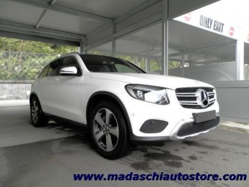 MERCEDES-BENZ GLC 220 Mercedes-Benz GLC 220 d 4Matic AMG Line Panorama P