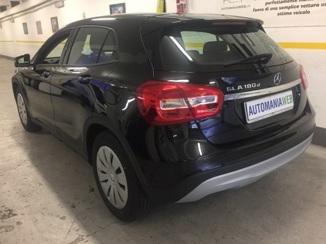 mercedes benz gla 180 d automatic executive ufficiale km 0 usata 2017 autosupermarket. Black Bedroom Furniture Sets. Home Design Ideas