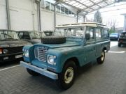 Land Rover Series III 109 Station Wagon