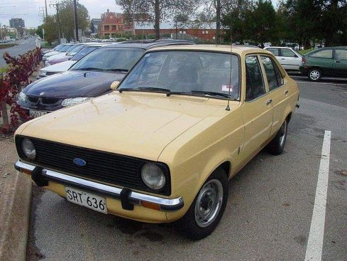 Parabrezza Ford Escort seconda serie 1975 -1980