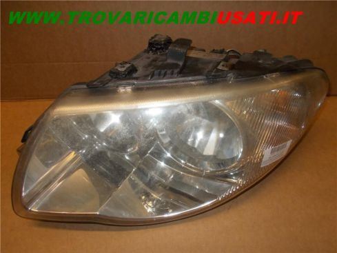 PROIETTORE S. CHRYSLER VOYAGER / G.VOYAGER (RG) (SUPPORTINO RIPARATO) 4857703AB 999-U50064 (Usato)