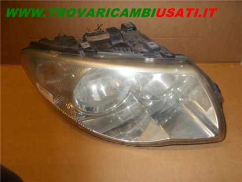 PROIETTORE D. CHRYSLER VOYAGER / G.VOYAGER (RG)  4857702AB 999-U50066 (Usato)